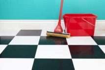 Как очистить дом солью или свечой